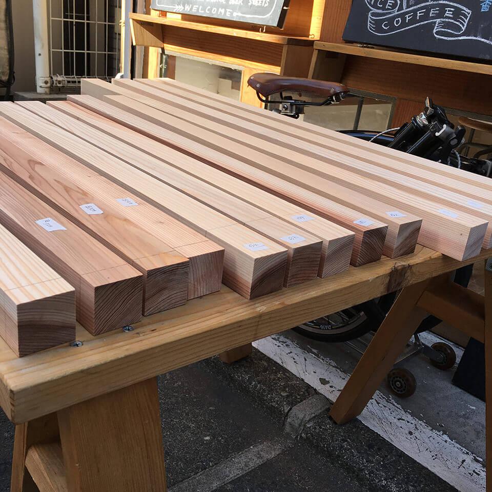 高台の木材